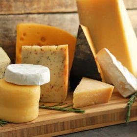 Guía para comprar un queso saludable