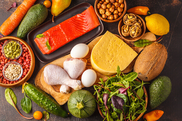 ¿cuántos carbohidratos netos se me permite en la dieta cetosis?